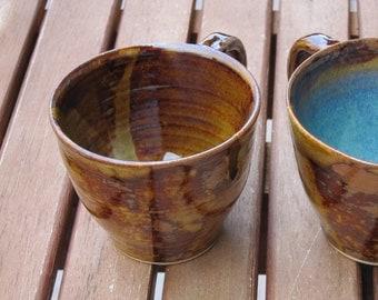 Coffee Brown sandstone / blue-green