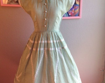 1950's Vicky Vaughn Junior Green Gingham Full Circle Day Dress With Lace Trim/ Size Extra Small