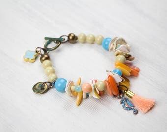 SEAHORSE COLOURCRUSH, bracelet Ibizastyle, multi colored, shell, seahorse, metal charms, beads