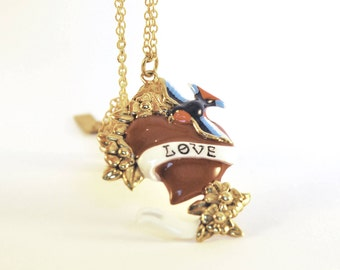 Heart shaped necklace of love in brass