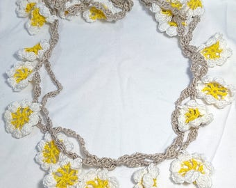 Floral crochet necklace