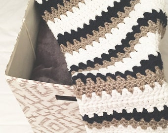 Baby Blanket Crochet - Thin Stripe
