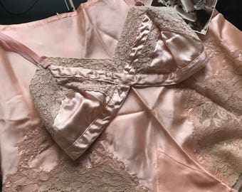 Dead Stock 1930's Vintage Peach Pink Tap Panties With Ecru Lace~Valentine