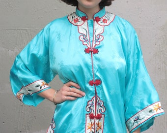 Vintage Chinese Blouse // Sky Blue Silk Mandarin Jacket Robe with Red Floral Embroidered Trim // Red Frog Buttons