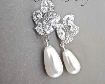 Pearl earrings,Cubic zirconia's, Brides pearl earrings,Pearl drop earrings,Marquise cut, Pearl wedding earrings, Bridal jewelry,LILLY