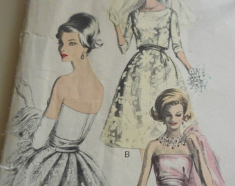 Vintage 1960's Vogue 1156 Couturier Design by Ronald Paterson Evening/Bridal Gown, Bolero, Veil and Petticoat Sewing Pattern Size 12 Bust 32