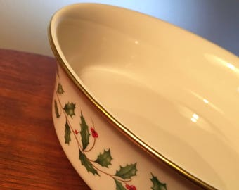 Lenox Holiday Dimension Collection 9-inch vegetable serving bowl