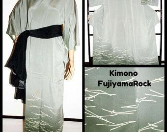 Green Kimono, Kimono, Kimono Dressing Gown, Japanese Kimono, Kimono Dress, Kimono Robe, Boho Kimono, Kimono Jacket, Japanese Clothing, Japan