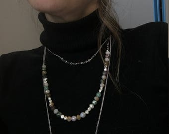 Three-wire necklace with gemstones, pearls and crystals