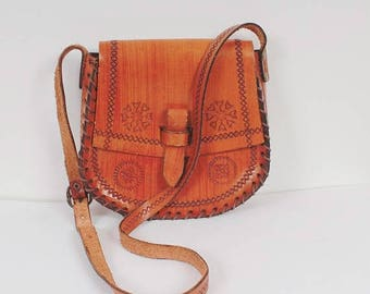 ON SALE Vintage 70s Tooled Leather Saddle Bag Caramel Brown Bag Small Shoulder Bag Thick Leather Bag Genuine Leather Handmade Bag Festival B