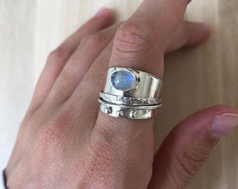 Sterling Silver Rainbow Moonstone Ring. Size 7.5