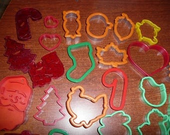 Plastic Cookie Cutters Some Comfort Grip, Assorted Themes & Sizes 42 Count