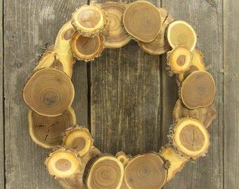 Wood Slice Wreath ~ Winter Wreath ~ Holiday Wreath ~ Door Wreath ~ Home Decor ~ Christmas Decor ~ Christmas Wreath