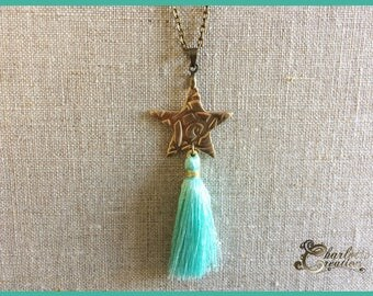 Necklace bronze star and tassel made entirely by hand.