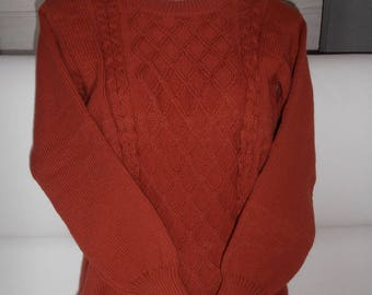 Wool Sweater. Acrylique.12 years. Rust colored.