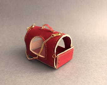 Fashion Royalty, Barbie Red leather pet Carrier