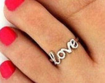Silver LOVE Toe Ring