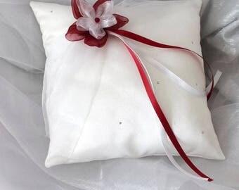 Rhinestones, wedding, blanc(ou ivoire) and Burgundy cushion pillow