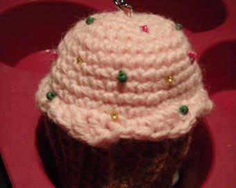 Cup cake amigurumi keychain