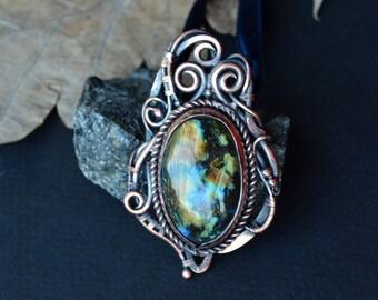 Labradorite pendant, wirewrapped labradorite, statement pendant, spectrolite, labradorite jewelry, medieval necklace, fantasy jewelry, yule