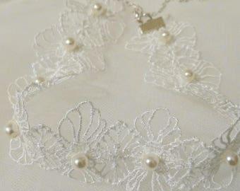 Pretty lace Ecru lace with pearl beads Choker