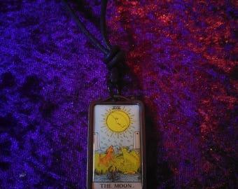 Tarot The Moon necklace