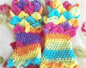 Crocodile stitch gloves