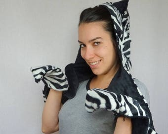 Hooded scarf Zebra faux fur with ears