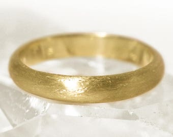 4mm D Profile 18ct Gold 'Cavanacaw' Wedding Ring