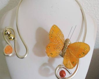 Necklace Golden aluminum wire and his butterfly