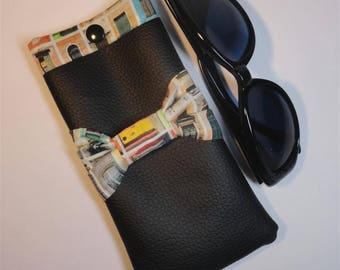Black faux interior fabric printed with doors and windows glasses case.