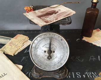 Antique Scale 1910, Simmons Hardware Company Kitchen Scale, Rustic Collectible Decor,