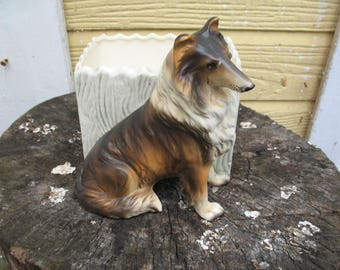 Dog Collie planter, vase, made in Chine.Collections, figurines and trinkets.