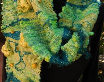Scarf with handspun yarn