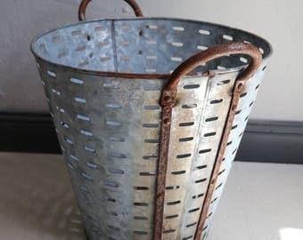 Vintage Olivensammelkorb as a decoration or fire basket