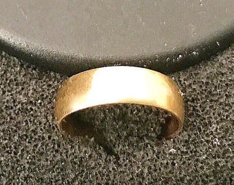 Vintage 14k solid gold wedding ring band 6mm comfort fit  simple yet stunning  something old bride bridal wedding engagement 1950's sz 5 1/2