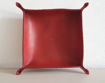 Empty red Pockets