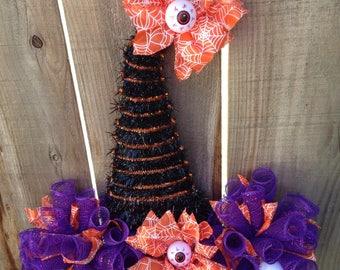 SALE, Witch hat wreath, Halloween Wreath, Door Wreath, eyeball wreath, halloween decor, Witch Decor, Mesh Wreath, Orange ribbon, door decor