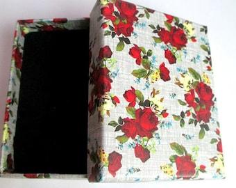1 box for jewelry grey flower 9x7x3cm