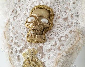 Santa Sangre white chestpiece/collar,feather collar-wgt-gothic chestpiece-skull chestpiece