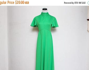 25% OFF VTG 60s-70s Green High Neck Angle Sleeve Empire Waist Maxi Dress S