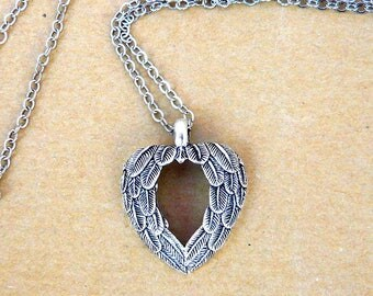 Silver wing Heart Necklace romantic vintage