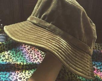 1990s green velvet bucket hat