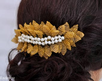 Gold wedding hair comb Bridal hair piece Flower hair comb Gift for mom Wedding hair accessories Bridal comb Wedding hair clip Beach wedding