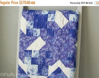 ON SALE Blue and White Star Quilt, Elegant Throw Quilt, Large Lap Quilt, Dark Blue Sofa Throw, Floral Patchwork Quilt, Traditional Blue Lap