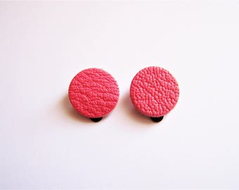 Pink leather round clip earrings