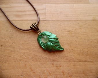 * Teldrassil leaf * pendant leaf and rose quartz.