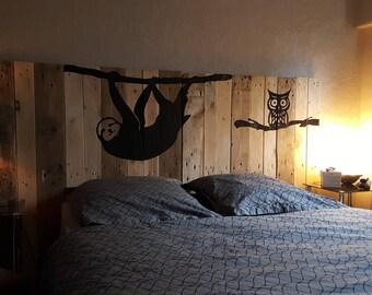 """Tête de lit en bois motifs """" Paresseux """""""