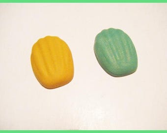 2 Madeleine fimo polymer clay cabochons