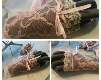 MITTEN LEA Rose lace
